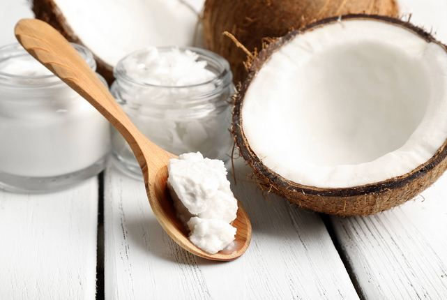 8 Amazing Coconut Oil Health Benefits