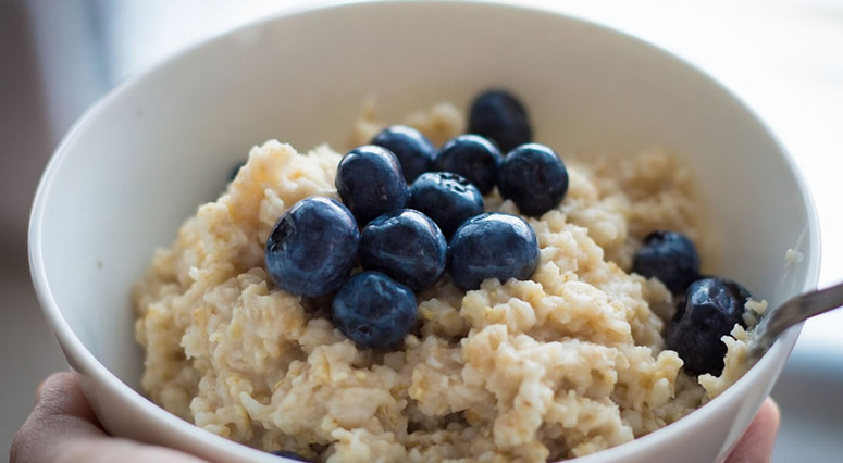 Six Healthy Reasons To Enjoy Eating Oats