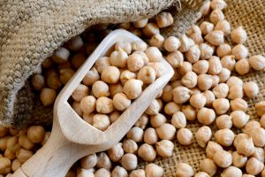 Six Healthy Reasons To Eat More Chickpeas | www.naturallyhealthynews.com