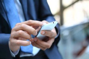 Cell Phone Use May Cause Male Infertility, Says Expert | www.naturallyhealthynews.com