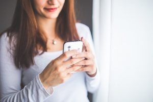 5 Simple Ways To Protect Yourself From Cell Phone Radiation | www.naturallyhealthynews.com