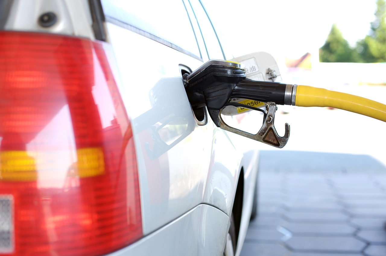 7 Simple Steps To Save Yourself Fuel Money At The Petrol Pump…