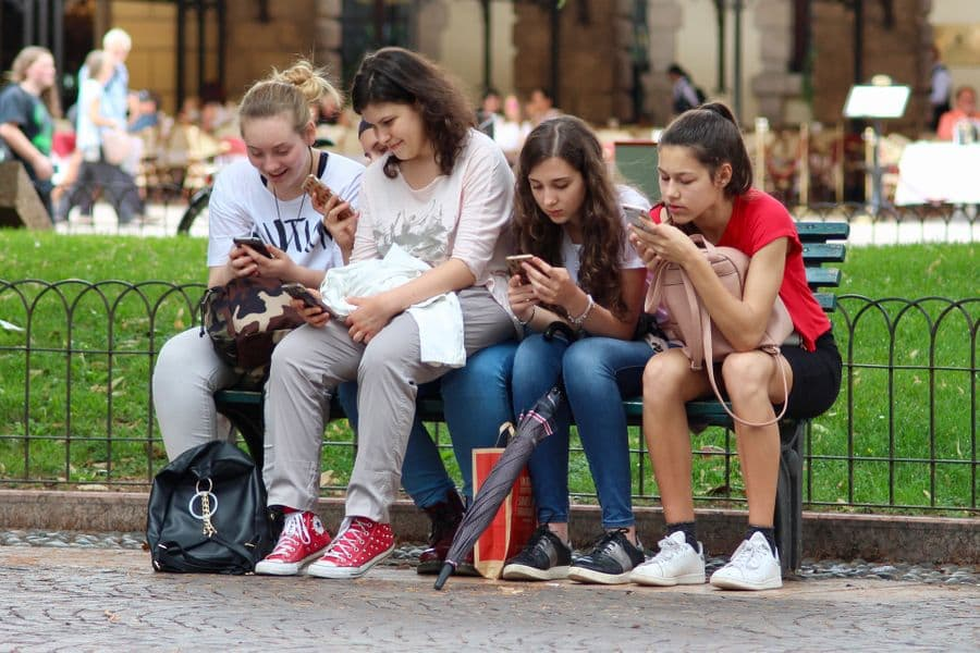 Mobile Phone Radiation May Affect Teenagers' Memory Performance